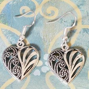Jewelry - Heart cut out earrings